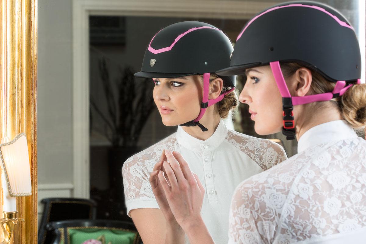 horse-riding cap